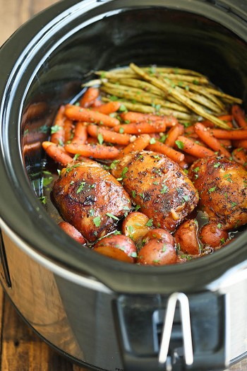 Slow Cooker Chicken with Green Tea Citrus & Garlic Rub